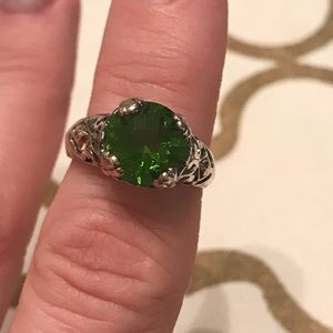 Jewelry - Gorgeous Silver Ring with Green Gemstone